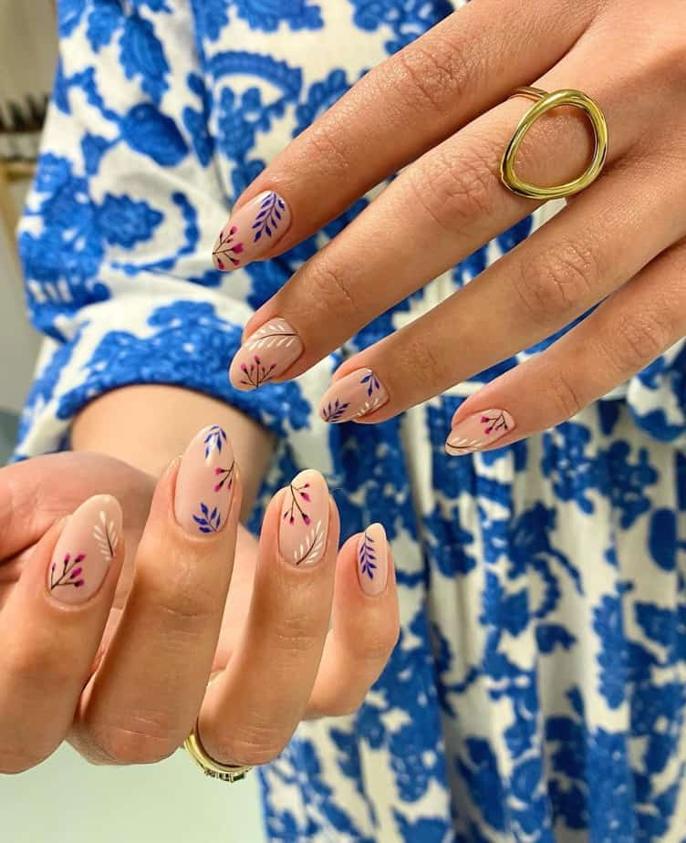 pretty flower nails